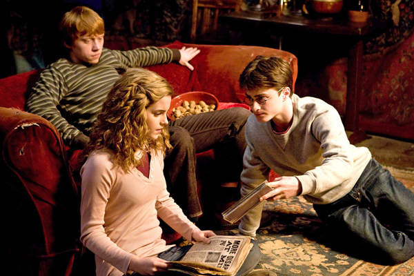 http://www.thinkhero.com/wp-content/uploads/2009/02/emma_watson__rupert_grint_and_daniel_radcliffe_harry_potter_and_the_half_blood_prince_movie_image_s.jpg
