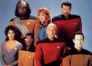 Star_Trek_The_Next_Generation_Crew_freecomputerdesktopwallpaper_p