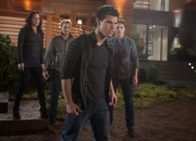 twilight-breaking-dawn-part-1-movie-image-taylor-lautner-02-600x400