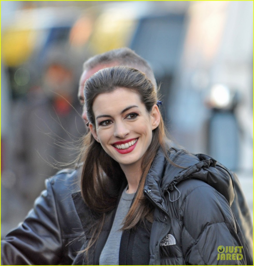 Photos Of Anne Hathaway As Catwoman On Set (PICS) 'The